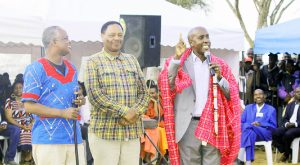 Kajiado County Governor Joseph ole Lenku, Speaker Johnson Osoi and Prof. Solomon Mpoke (centre). Photo/Philip Tianda